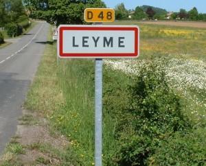 Panneau du village de Leyme dans le Lot