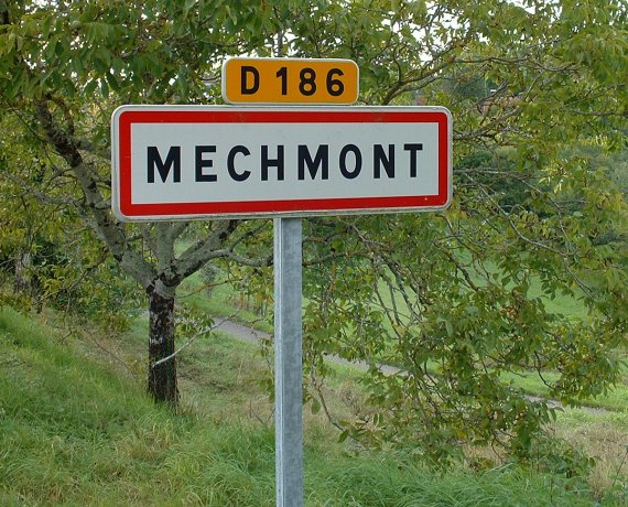 Panneau du village de Mechmont dans le Lot