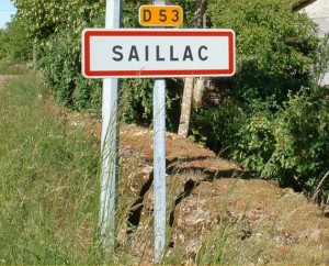 Panneau du village de Saillac dans le Lot