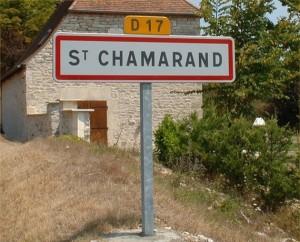 Panneau du village de Saint-Chamarand dans le Lot