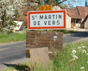 Panneau du village de Saint-Martin-de-Vers dans le Lot