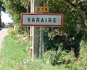 Panneau du village de Varaire dans le Lot