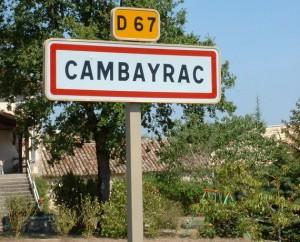 Panneau du village de Cambayrac dans le Lot