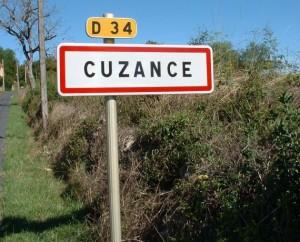 Panneau du village de Cuzance dans le Lot