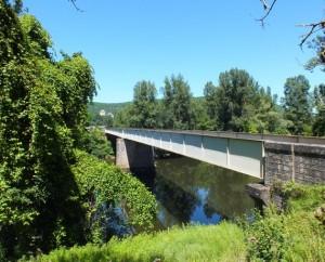 Pont sur le Lot à Larroque-Toirac (la Rivière) dans le Lot