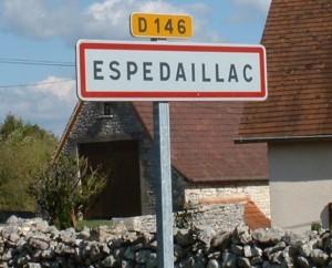 Panneau du village d'Espédaillac dans le Lot