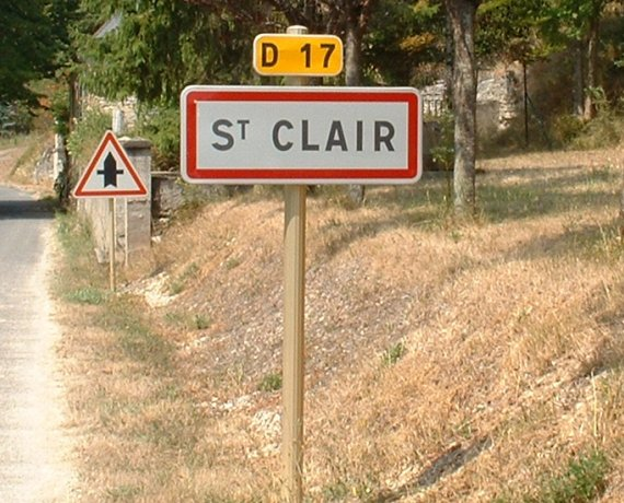Panneau du village de Saint-Clair dans le Lot