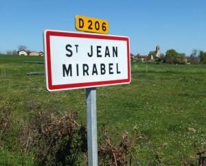 Panneau du village de Saint-Jean-Mirabel dans le Lot