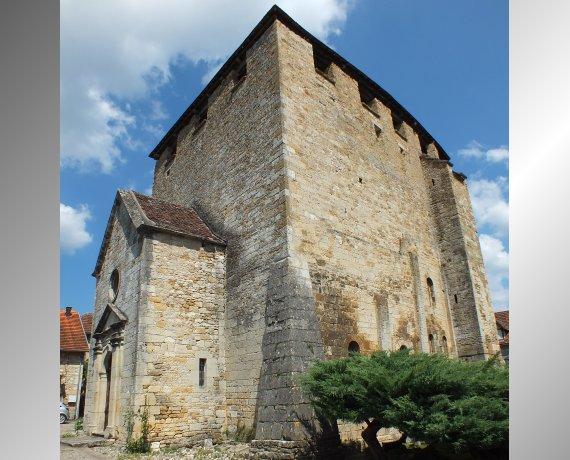 Église Saint-Pierre à Saint-Pierre-Toirac (bourg) dans le Lot