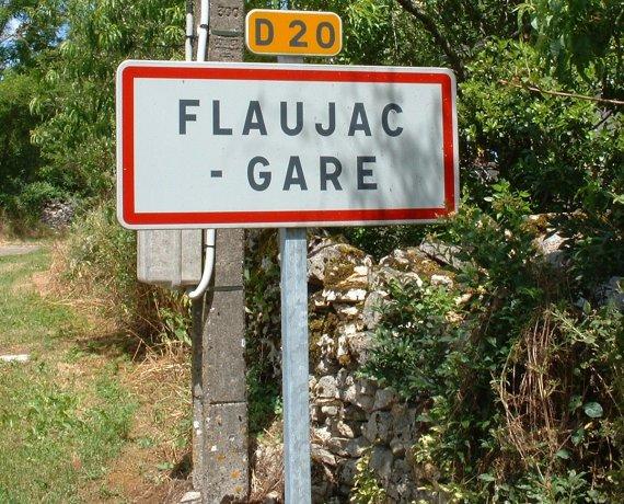 Panneau du village de Flaujac-Gare dans le Lot