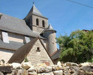 Église Saint-Georges à Floirac (bourg) dans le Lot