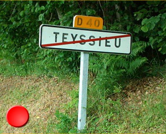 Panneau du village de Teyssieu dans le Lot