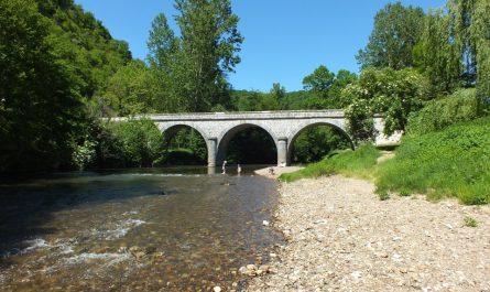 Baignade au pont d'Espagnac à Espagnac-Sainte-Eulalie