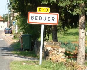 Panneau du village de Béduer dans le Lot