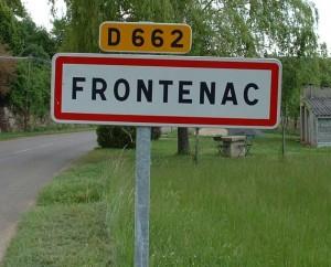 Panneau du village de Frontenac dans le Lot