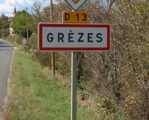 Panneau du village de Grèzes dans le Lot
