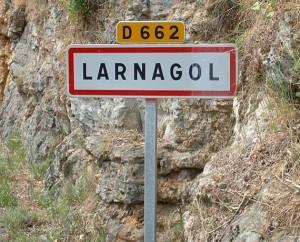 Panneau du village de Larnagol dans le Lot