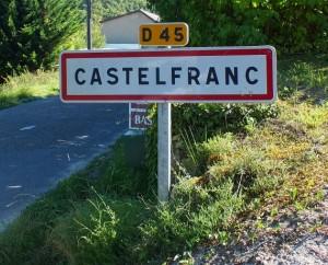 Panneau du village de Castelfranc dans le Lot