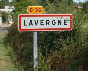Panneau du village de Lavergne dans le Lot