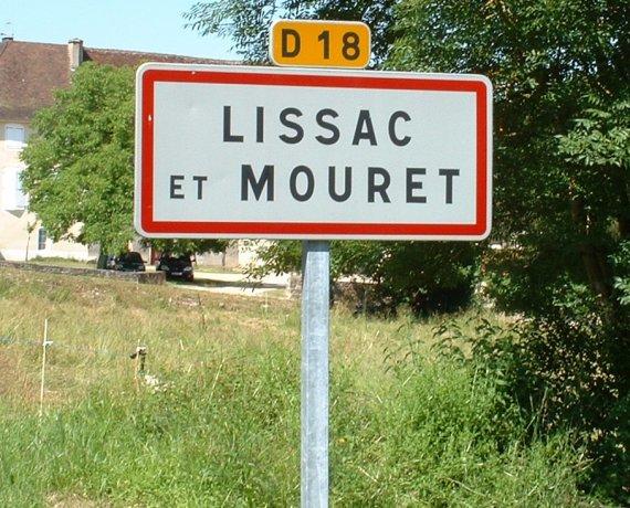 Panneau du village de Lissac et Mouret dans le Lot