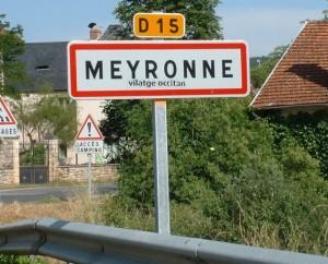 Panneau du village de Meyronne dans le Lot