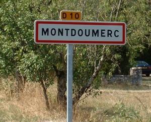 Panneau du village de Montdoumerc dans le Lot
