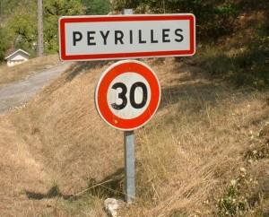 Panneau du village de Peyrilles dans le Lot