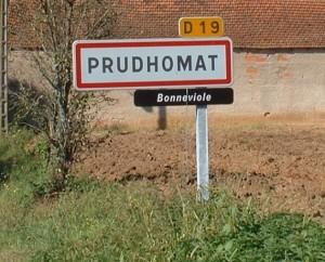 Panneau du village de Prudhomat dans le Lot