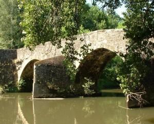 Pont médiéval à Bagnac-sur-Célé dans le Lot