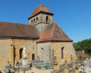 Église Saint-Pierre de Montcléra dans le Lot