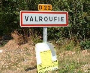 Panneau du village de Valroufié dans le Lot