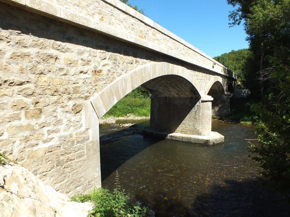 Pont du Coustal sur le Célé à Camboulit dans le Lot (Coustal)