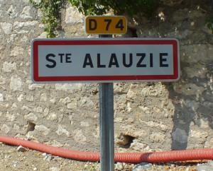 Panneau du village de Sainte-Alauzie dans le Lot