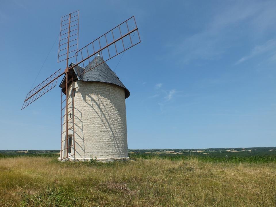 Moulin à vent de Granié à Montdoumerc dans le Lot