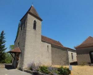 L'église Saint-Étienne à Calvignac dans le Lot (bourg)