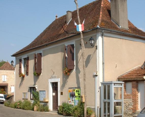Mairie de Boissières dans le Lot