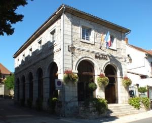 La mairie de Cajarc dans le Lot