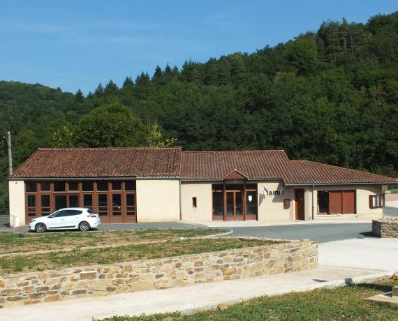 La mairie de Cuzac dans le Lot