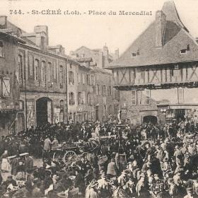 La Place du Mercadial à Saint-Céré dans le Lot - LOT'refois