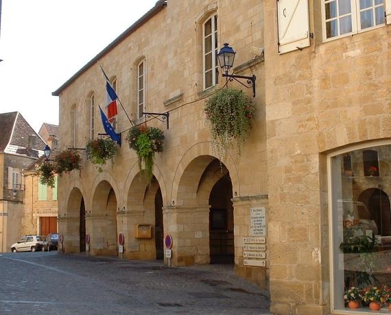 Mairie de Gourdon dans le Lot