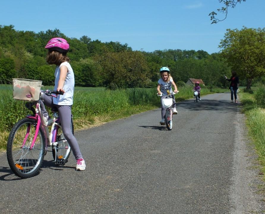 Parcours à vélo pour les petits à Faycelles dans le Lot