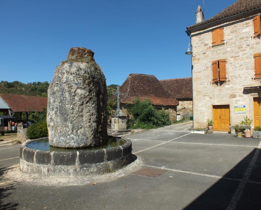 Circuits randonnée pédestre - Fons - Village et coteaux du Limargue - 14km (la fontaine du Griffoul à Fourmagnac)