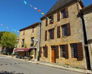 Circuits randonnée pédestre - Frayssinet-le-gelat - Circuit de la Thèze - 9km (le bourg de Frayssinet-le-Gélat)