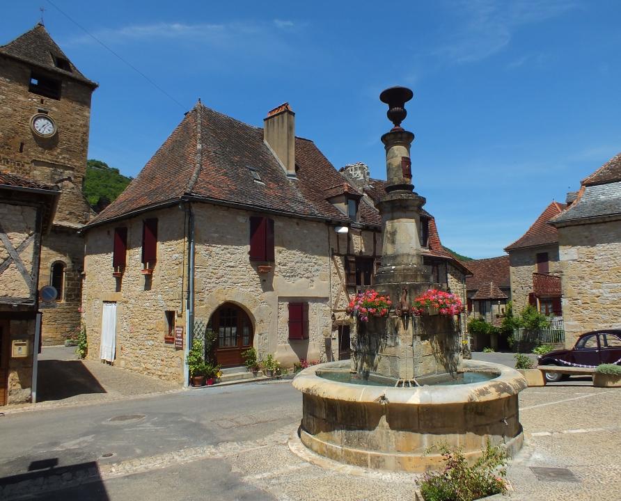 Fontaines & Puits - Autoire - La Fontaine aux Dauphins -