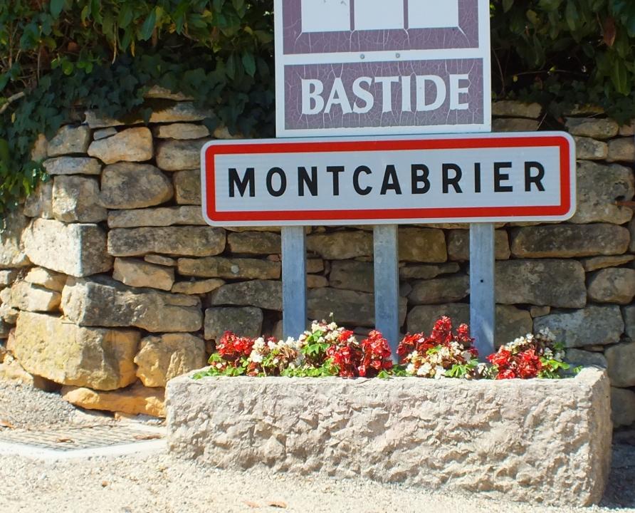 Communes - Montcabrier - - - Panneau du village de Montcabrier