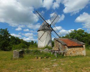 Circuits randonnée pédestre - Promilhanes - Le circuit de Promilhanes-Laramière - 17km à pied (Moulin à vent du Mas de la Bosse à promilhanes)