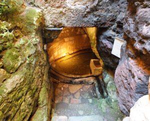 Fontaines & Puits - Capdenac - La Fontaine Romaine dite Des Anglais -