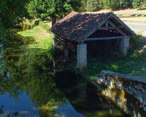 Lavoirs - Cénevières - Le lavoir de l'église (Pech-Merle) -