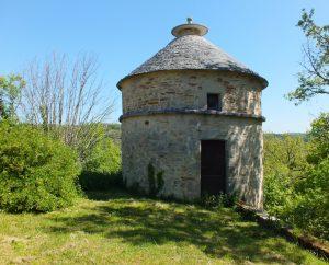 Pigeonniers & Colombiers - Issepts - Le pigeonnier de la mairie (bourg) -