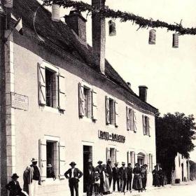 LOT'refois - CPA - début XXe - Livernon - Hôtel des voyageurs